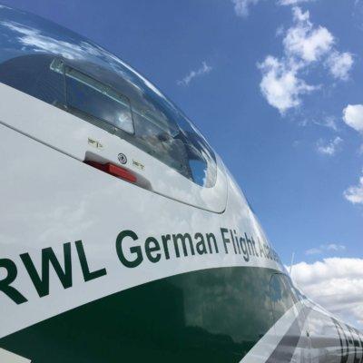 RWL Flugzeugcharter Aquila A 210