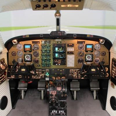 Cockpit_B200_2000hoch