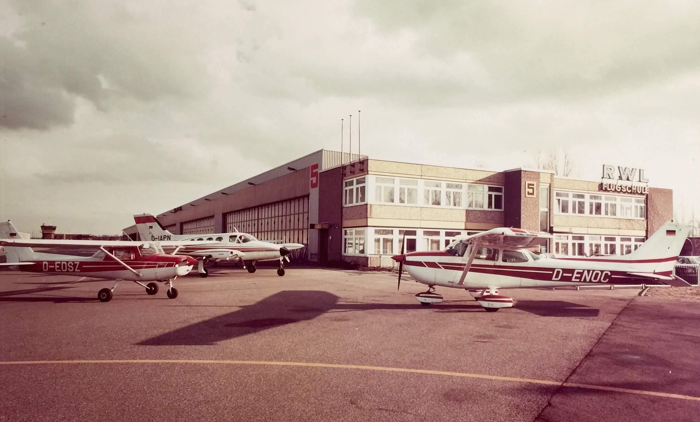 RWL Flugschule Mönchengladbach - altes Gebäude