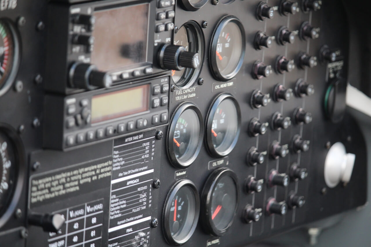 Flugzeug Cockpit Studiengänge ATPL