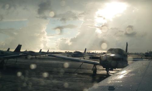 Flugzeuge im Regen - RWL